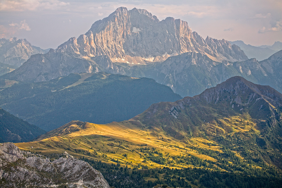 Alpine-Meadow-Dolomiti